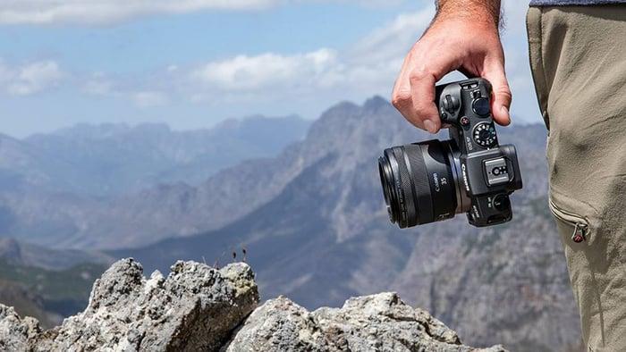 Canon EOS RP Aynasız Fotoğraf Makinesi fiyatı